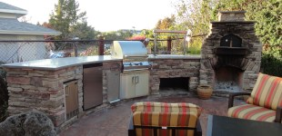 Custom Outdoor Kitchen & LC Oven Designs Pizza Oven.