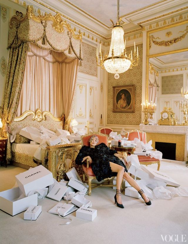 The-Ritz-Paris-Kate-Moss-goes-shopping