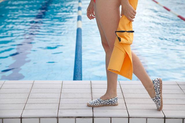 L 39 amoureuse des bains public le bouillon mode for Piscine 62