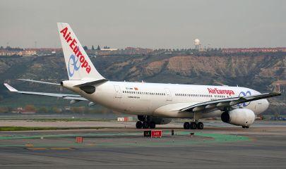Airbus_A330-243_Air_Europa_EC-LMN.jpg