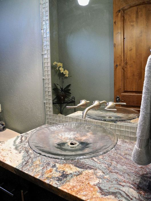 north valley rv home powder room