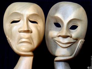 Dénoncer le Mal Nourrit-il le Mal ? (extrait) Masques
