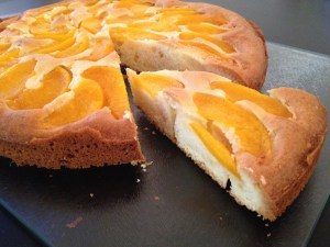 Perzik plaatcake (stuk)