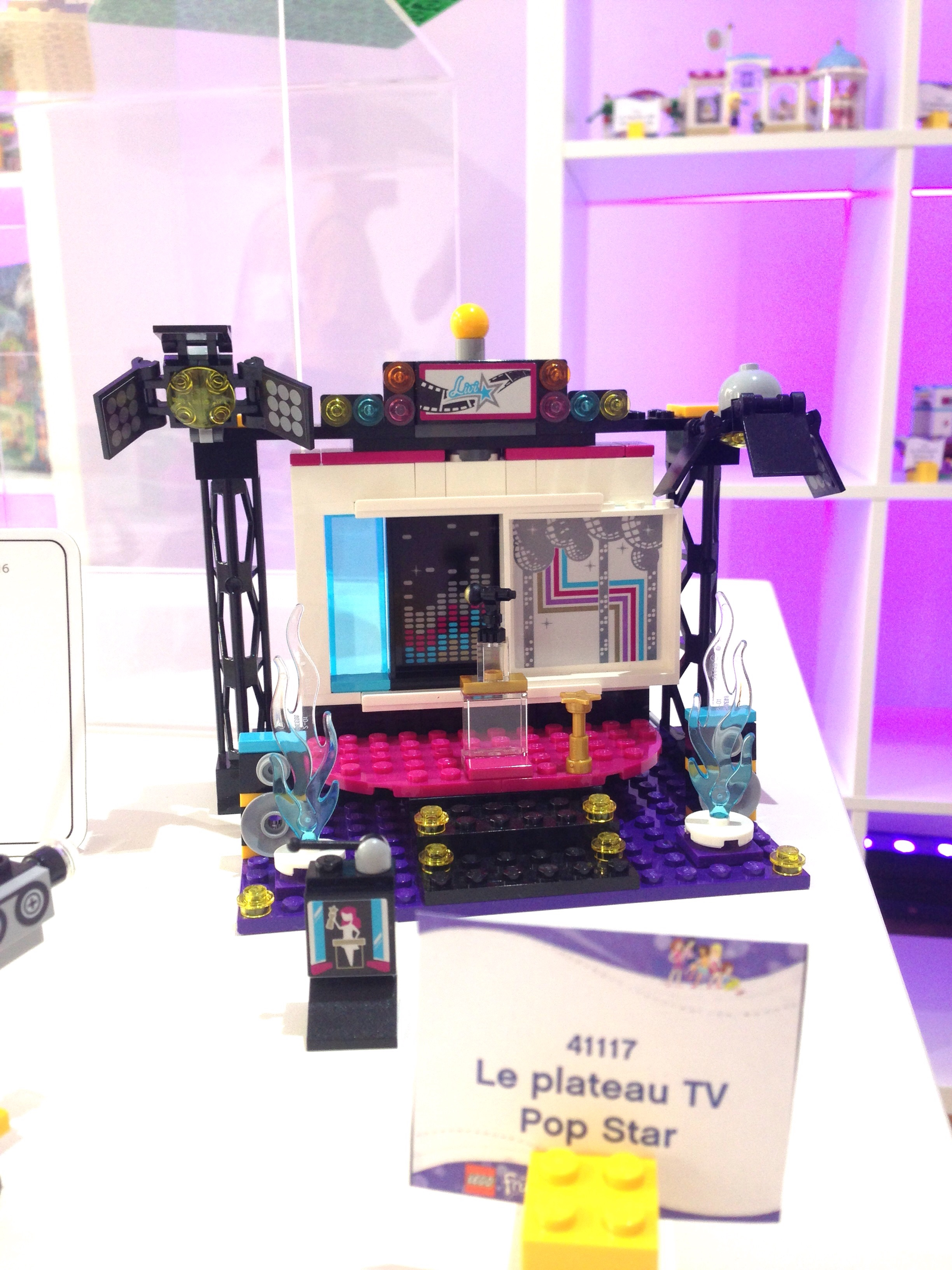 LEGO FRIENDS - LE PLATEAU TV POP STAR - Réference : 41117 (environ 20 €)