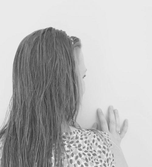 Quand les murs ont des oreilles … (violence verbale et physique)
