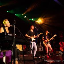Lemon Lights as Amy McDonald Support Band @ Jazzfest Gronau. Photo by Hartmut Springer