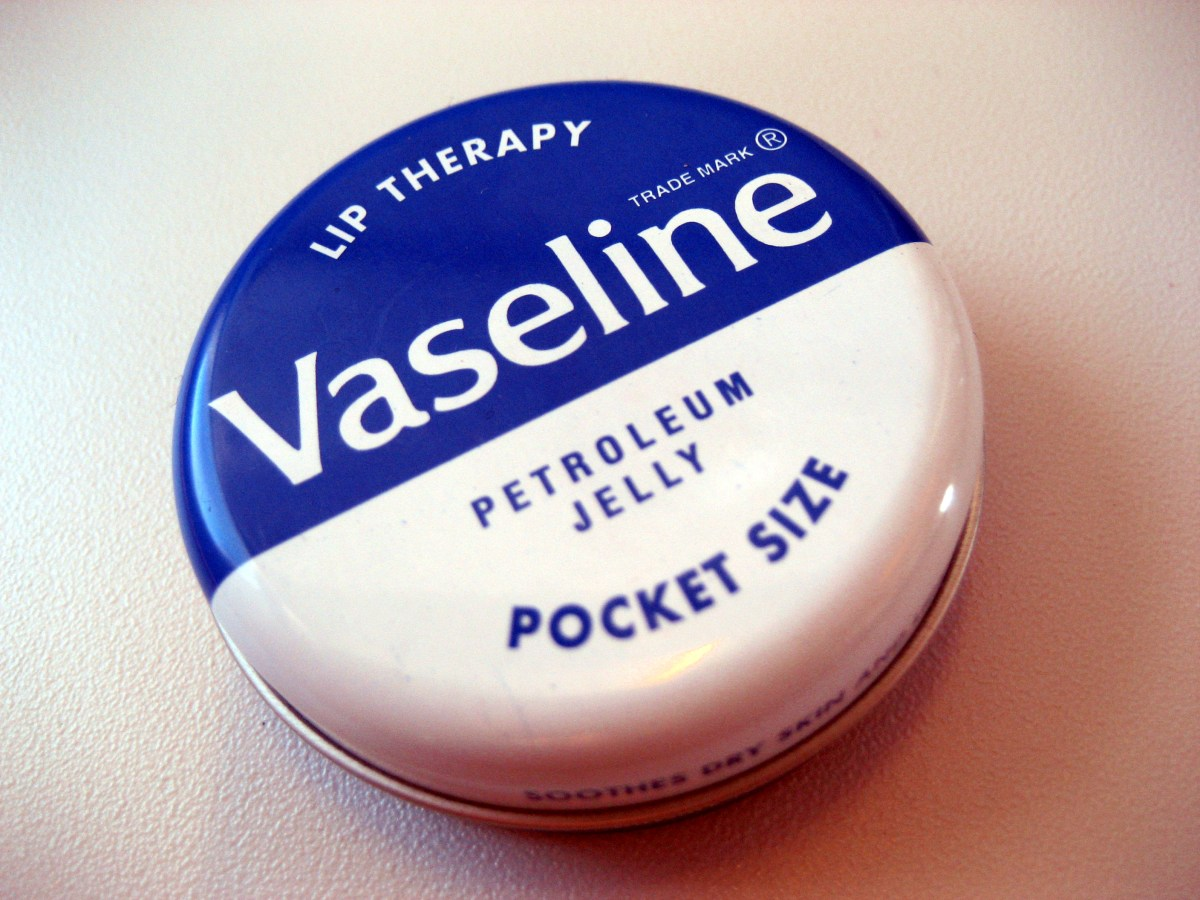 Beauty Myths: petroleum jelly and baby oil