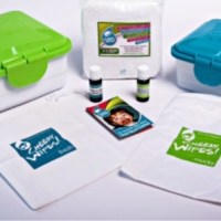 Giveaway: Cheeky Wipes 'All-in-one Baby Wipes Kit'.
