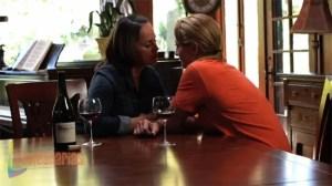 Gina hablando con Stella