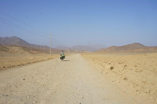 Ripio (piste) dans le désert