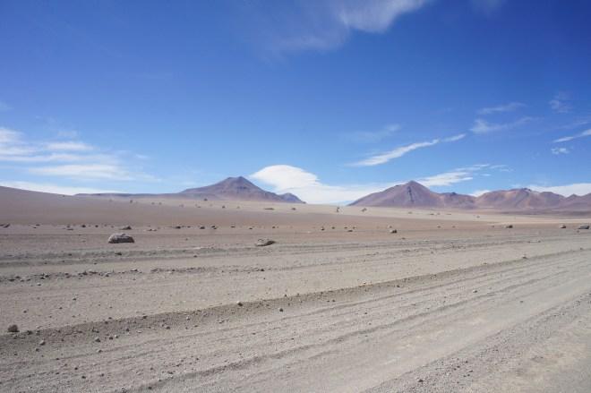 Le Désert de Dali parsemé de rochers sculptés par les vents et le sable