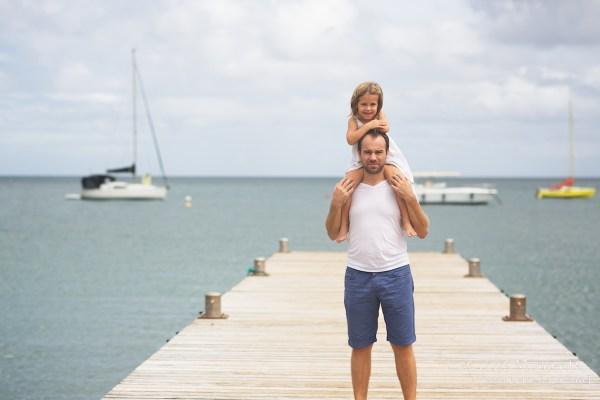 Seance grossesse en famille a la plage Martinique 26
