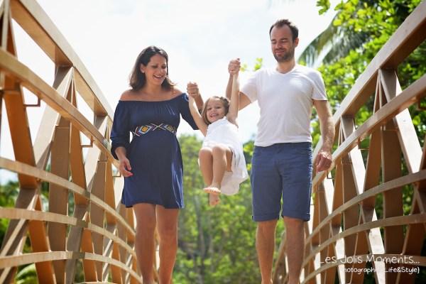 Seance grossesse en famille a la plage Martinique 30