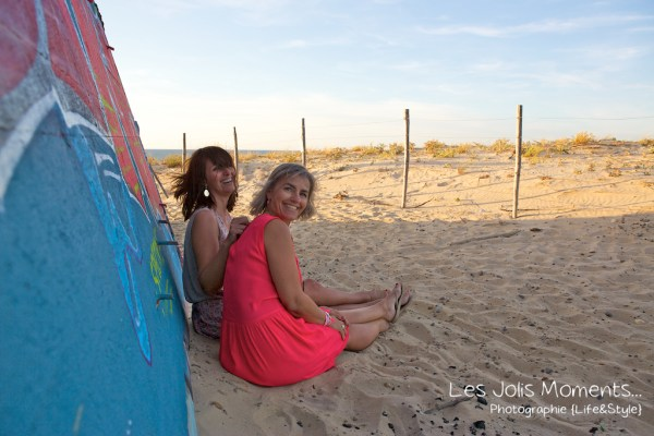seance-photo-entre-amies-sur-la-plage-7-1