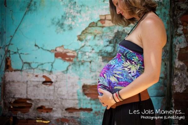 Seance grossesse dans des friches de Martinique 18