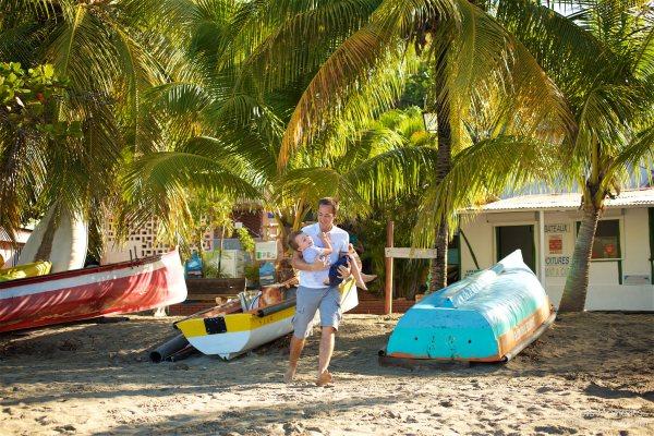 Seance grande famille sur la plage de Grande Anse 11