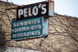 Old neon for Pelo's Sundries