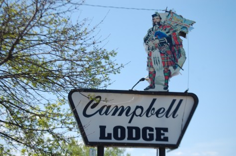 Campbell Lodge neon sign in Glasgow, Montana