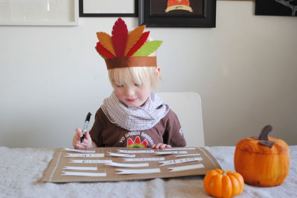 Simple DIY Thanksgiving Place Mat