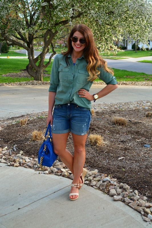 madewell work shirt, gap boyfriend shorts, rope wedges, marc jacobs stam, illesteva milan sunglasses