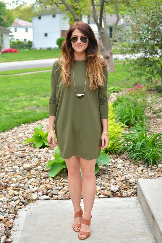 ashley from lsr, olive green dolman dress, dolce vita jodi sandal