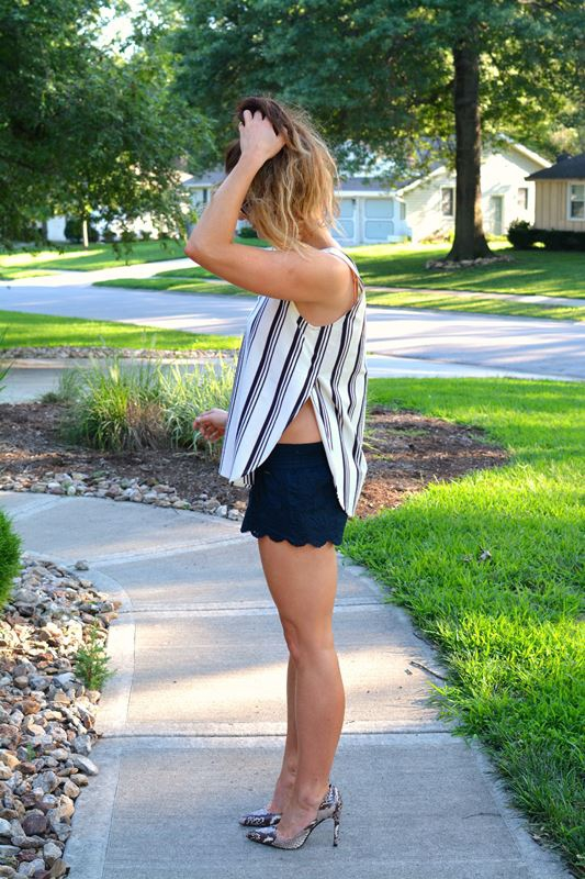 ashley from lsr, madewell striped tank, lace shorts, snake skin pumps