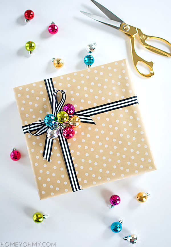 DIY gift topper - mini ornament cluster