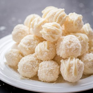 White Chocolate Coconut Candy (Raffaello Copycat)