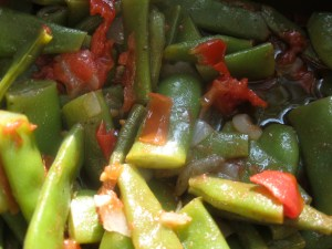 Italian Flat Beans with Tomatoes |The Levantess