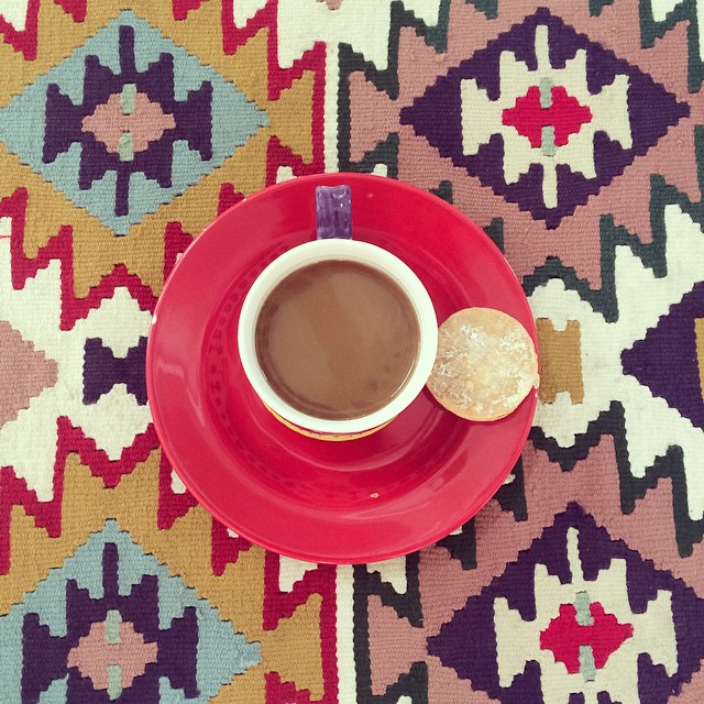 Coffee, cookie, and color #pinolehome