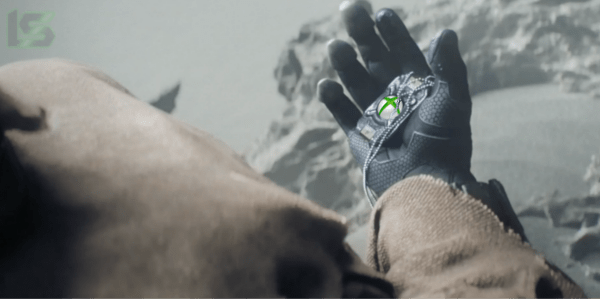 halo-5-master-chief-holding-xbox-one-dogtags