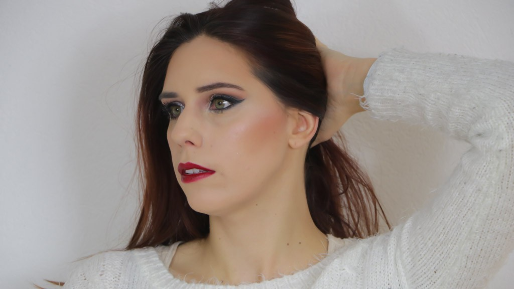 maquillage-de-fetes-monday-shadow-challenge-paillettes-argent-cloute-2