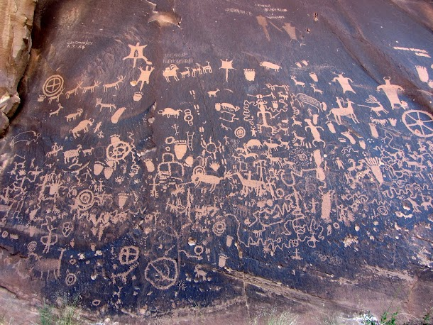 Newspaper Rock Petroglyphs Detail-1.JPG