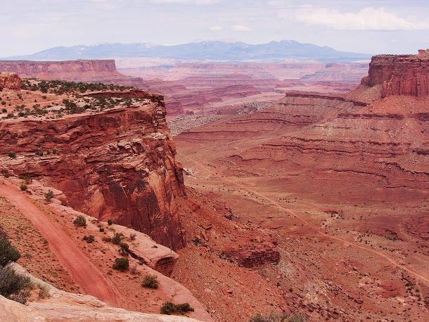 Canyon country from Dead Horse Point.jpg