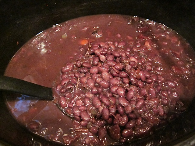 cooked spicy black beans