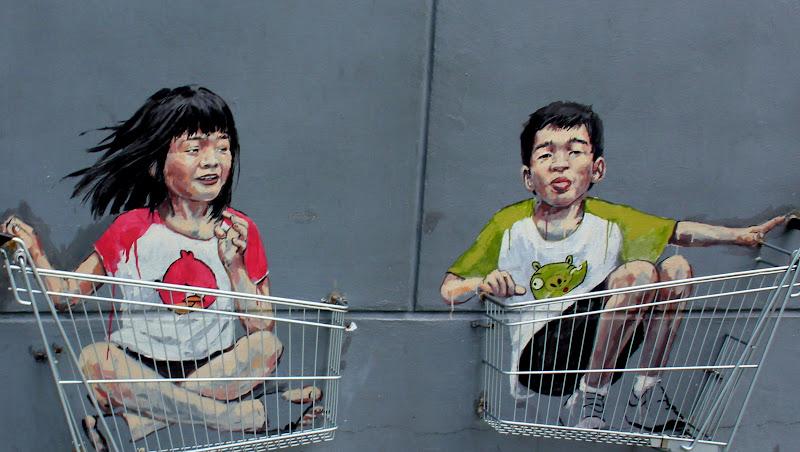 #Singapore #Singaporestreetart #Victoriastreet#Ernestzacharevic #kidsintrolleys