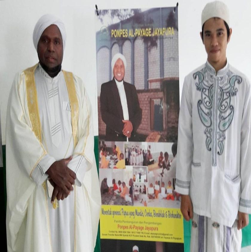 Tim KBA News Papua, Abdul Wahab, yang juga Aktivis Dakwah Papua (PPM Aswaja dan Sarkub Papua) bersama KH Saiful Islam Al-Payage.