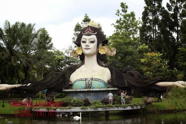 Koleksi Taman Bunga Nusantara