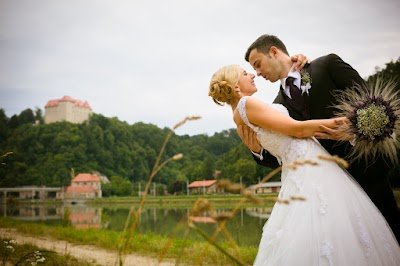porocni-fotograf-destination-wedding-photographer- bride-groom-slovenija-ljubljana-zenin-nevesta-poroka-fotografiranje-poroke-bled-slovenia- hochzeitsreportage, hochzeitsfotograf,hochzei (30).jpg