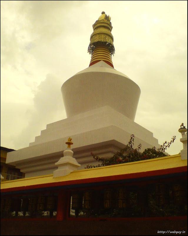 A Chorten - Gangtok