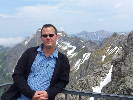 Ich auf dem Nebelhorn, kurz unterhalb des Gipfelkreuzes