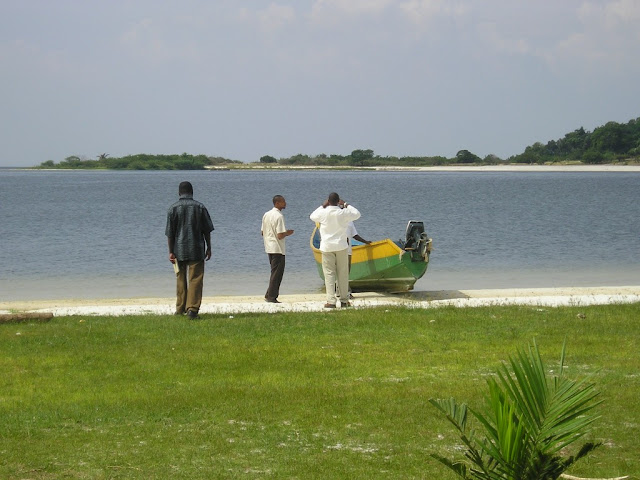 Africa Source II, Uganda - p1010038.jpg