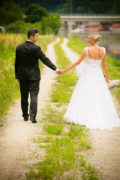 porocni-fotograf-destination-wedding-photographer- bride-groom-slovenija-ljubljana-zenin-nevesta-poroka-fotografiranje-poroke-bled-slovenia- hochzeitsreportage, hochzeitsfotograf,hochzei (32).jpg