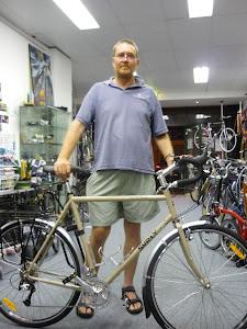 Stock LHT with Planet Bike Mudguards, Topeak Supertourist DX rack