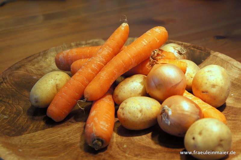 Möhren, Karotten, Kartoffeln, Zwiebeln