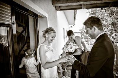porocni-fotograf-wedding-photographer-poroka-fotografiranje-poroke- slikanje-cena-bled-slovenia-koper-ljubljana-bled-maribor-hochzeitsreportage-hochzeitsfotograf-hochzeitsfotos-ho (29).JPG