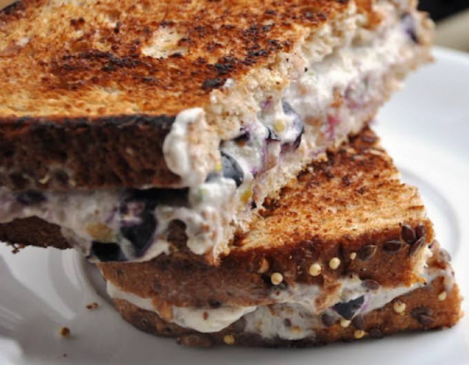 blueberry cream cheese sandwich 039