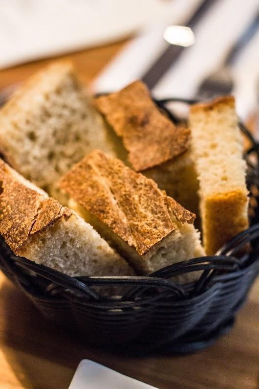 Brød på Tapasbaren i København - Mikkel Bækgaards Madblog