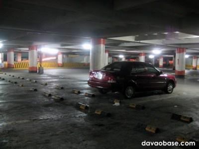 empty gaisano mall parking lot 07-02-2010.JPG