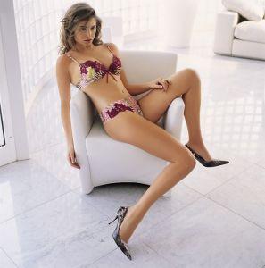 sexy nude girls doing splits